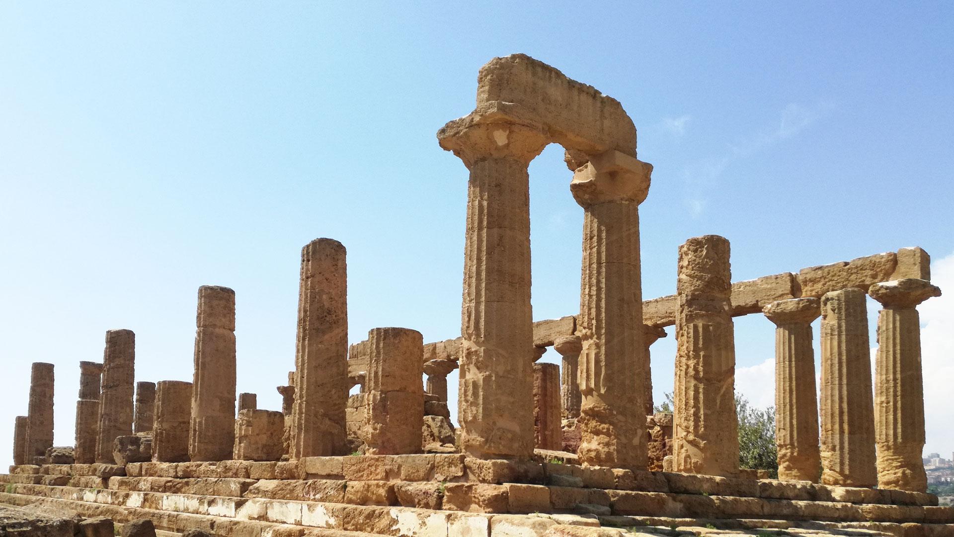 Uno degli insegnamenti dal Tempio di Giunone Valle dei Templi Agrigento Sicilia