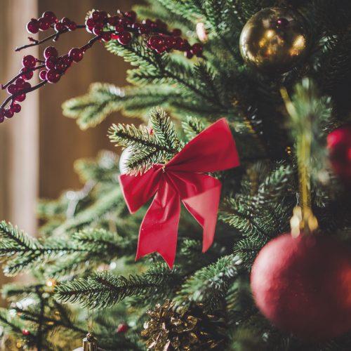 Copertina Albero di Natale con decorazioni